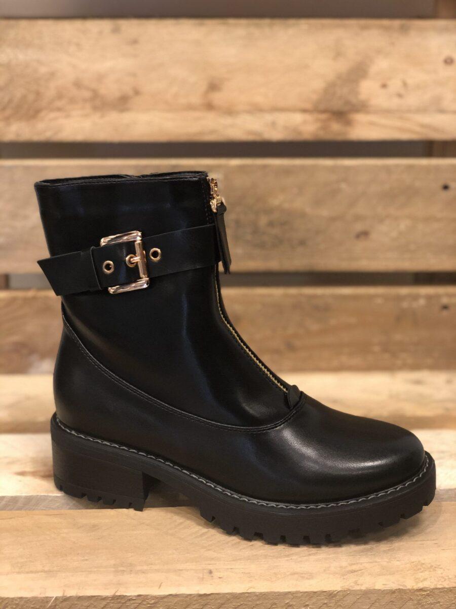 Støvle med guldspænde