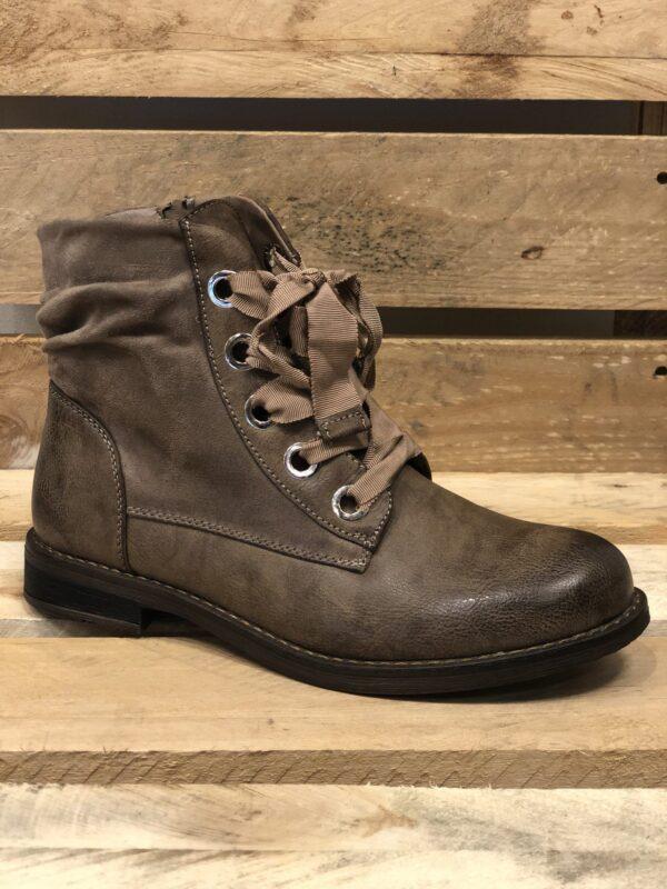 Korte støvler med satinbånd snøre