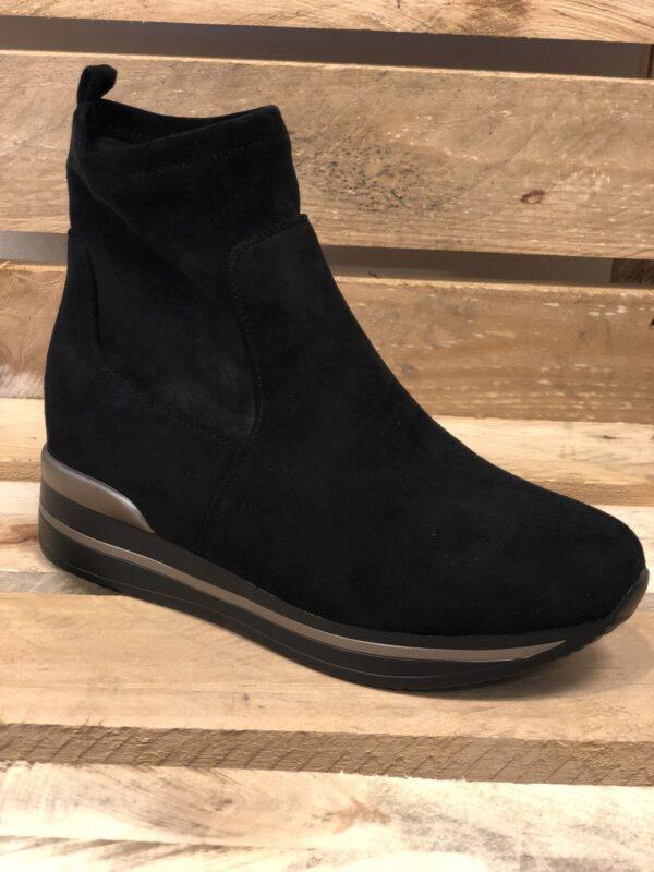 Støvle med kilehæl